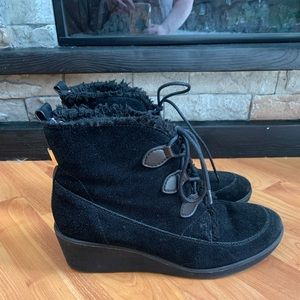 Tommy Hilfiger wedge boot Womans 10